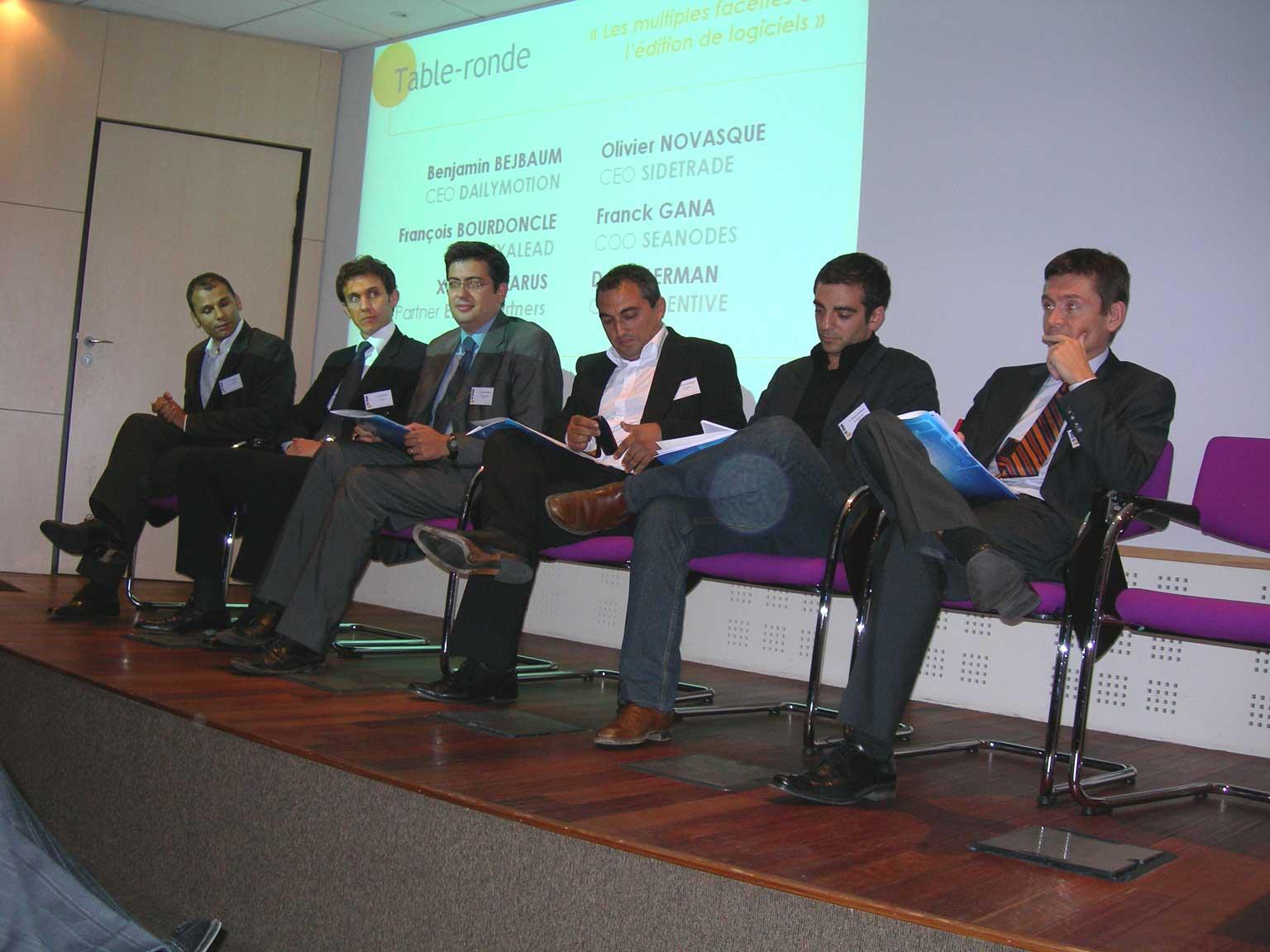 La table ronde, photo récupérée sur le site de l'IE Club