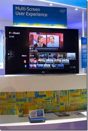 iFeelSmart on Intel booth (France) (2)