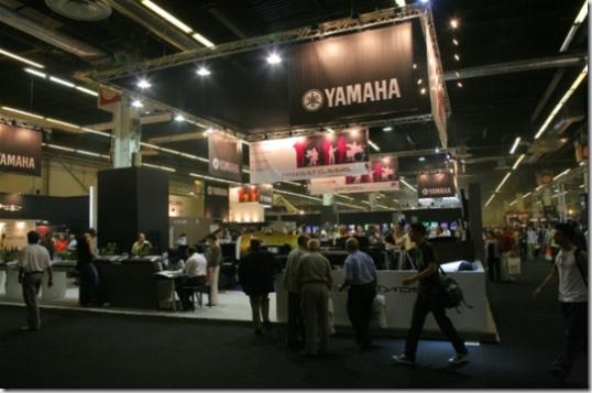 L'énorme stand de Yamaha